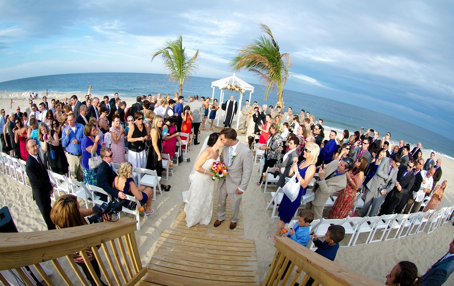 Plan Your Perfect Beach Wedding Ceremony