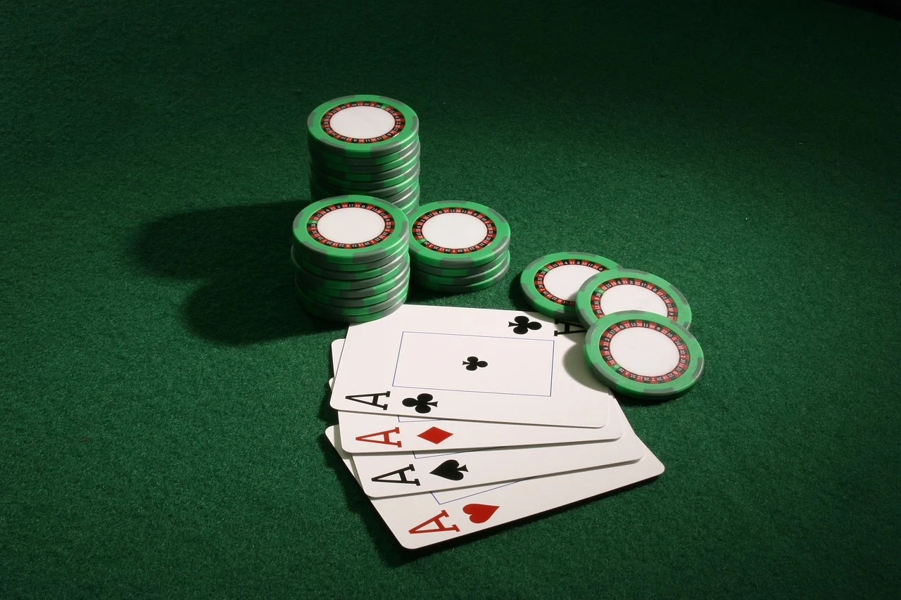Reasons Why One Should Go For Online Gambling And Poker Games!