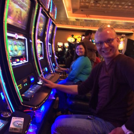 Interesting Facts about Rewards and Currency in Online Slot Machines